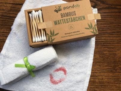 Nachhaltig und müllarm abschminken mit Bambus von pandoo