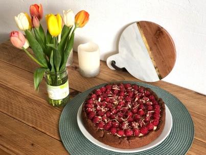 Vegane Double Chocolate Tarte mit Himbeeren und der Caribbean Gold Schokolade von iChoc