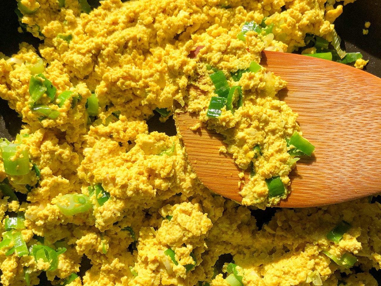 Veganer Ei-Ersatz + Rezept für Rührtofu