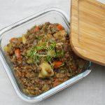 Veganer Linseneintopf mit Räuchertofu